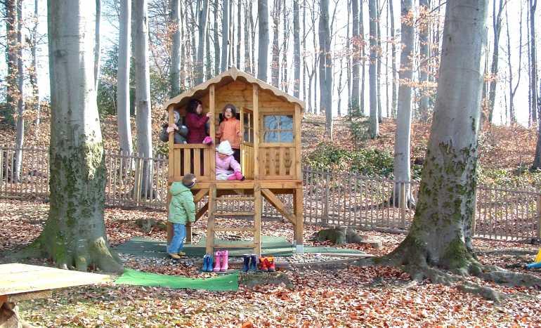 Jardin denfants PrillyLausanne  maison Nils  parc L